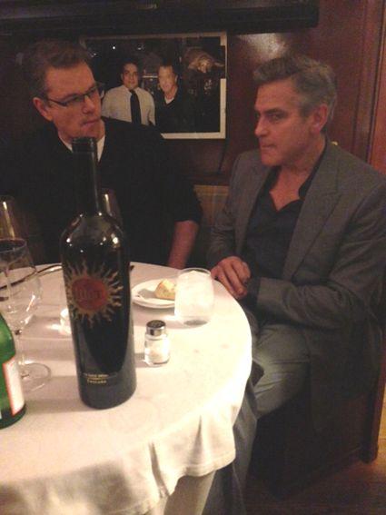 """Matt Damon und George Clooney in der """"Trattoria Dal Toscano"""""""