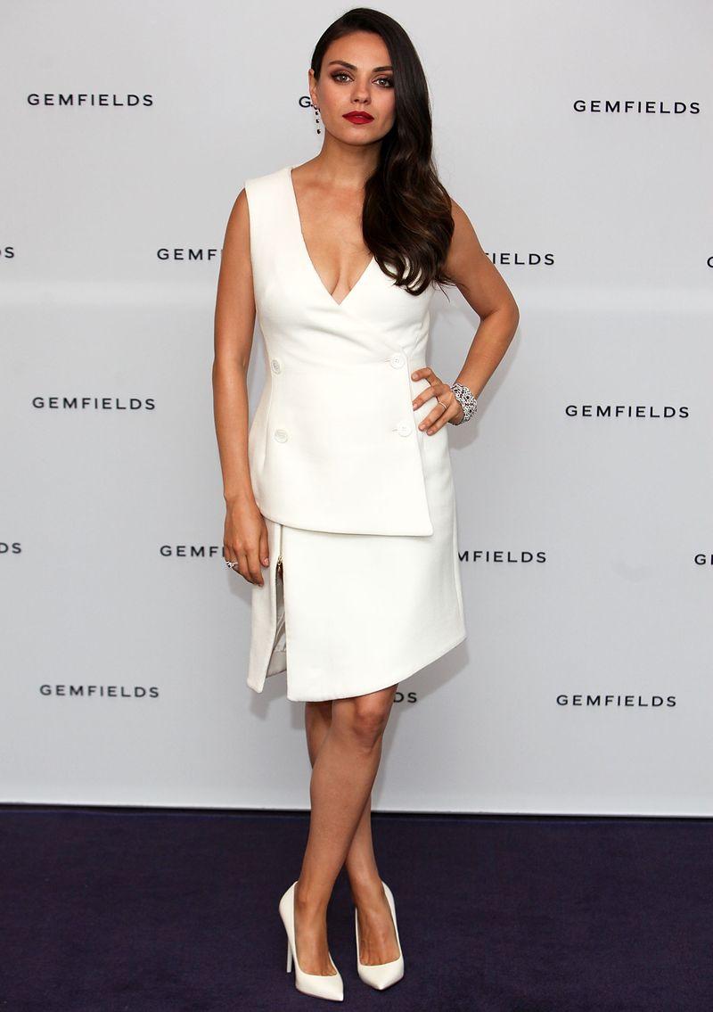 """Gemfields Markenbotschafterin Mila Kunis trägt Fabergé Rubin Schmuckset mit """"Mozambican Rubin"""""""