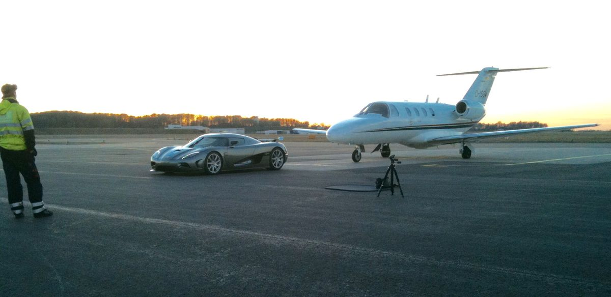 Mit dem Luxus Automobil zum Privatjet