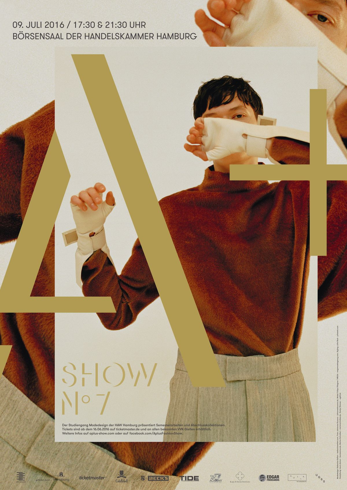 "Fashion Show ""A+7"""