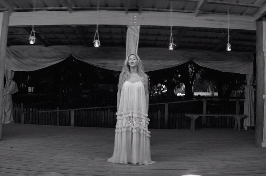 "Maria Lucia Hohan: Beyoncé in ""Freedom"""