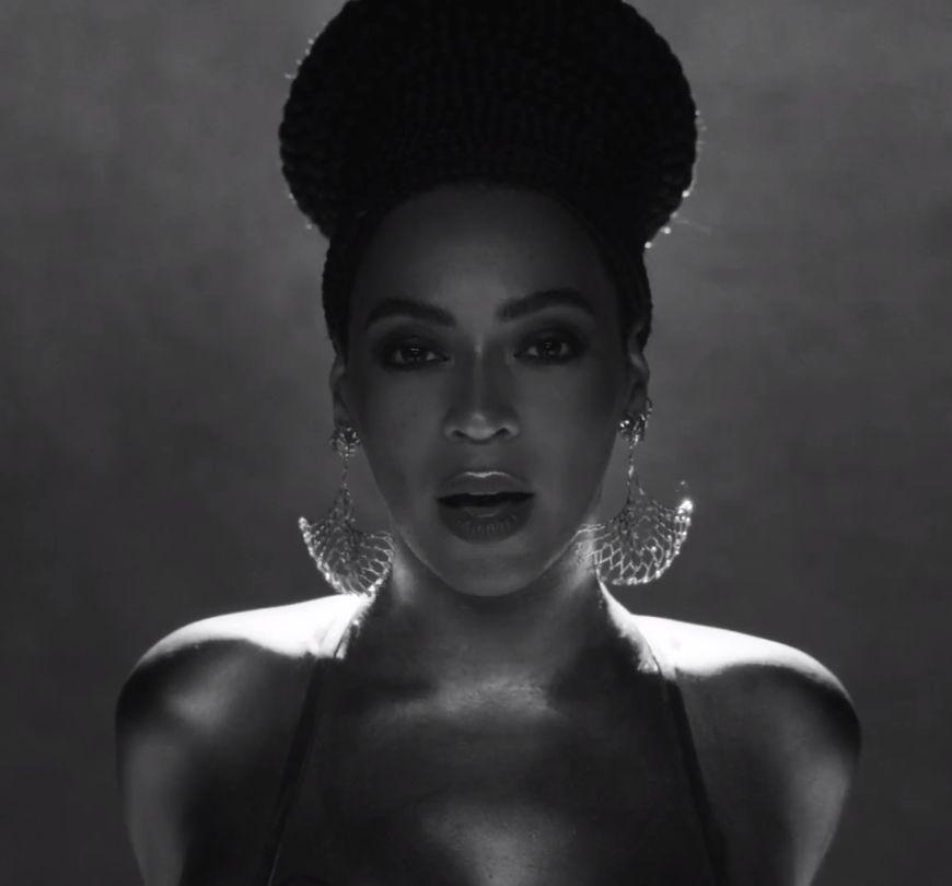 """Maxior: Beyoncé in """"Apathy"""""""