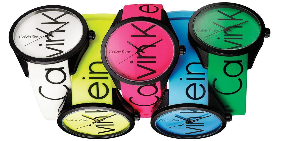 Calvin Klein: Viele bunte Uhren