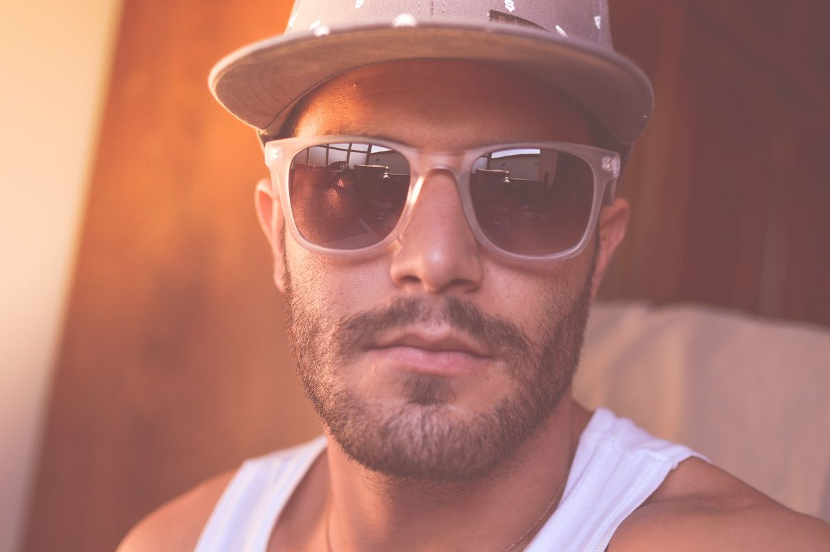 Sonnenbrille für den modebewussten Mann