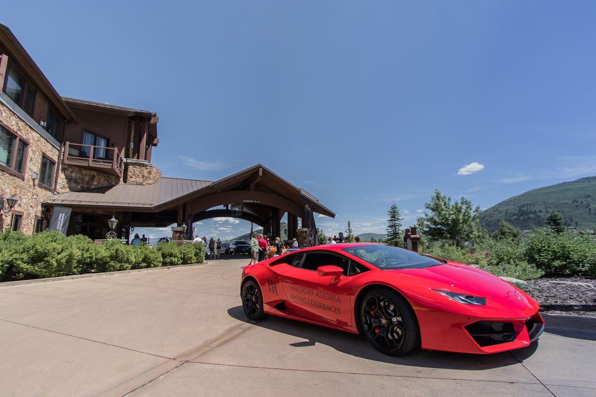 Waldorf Astoria und Lamborghini lassen die Stiere raus