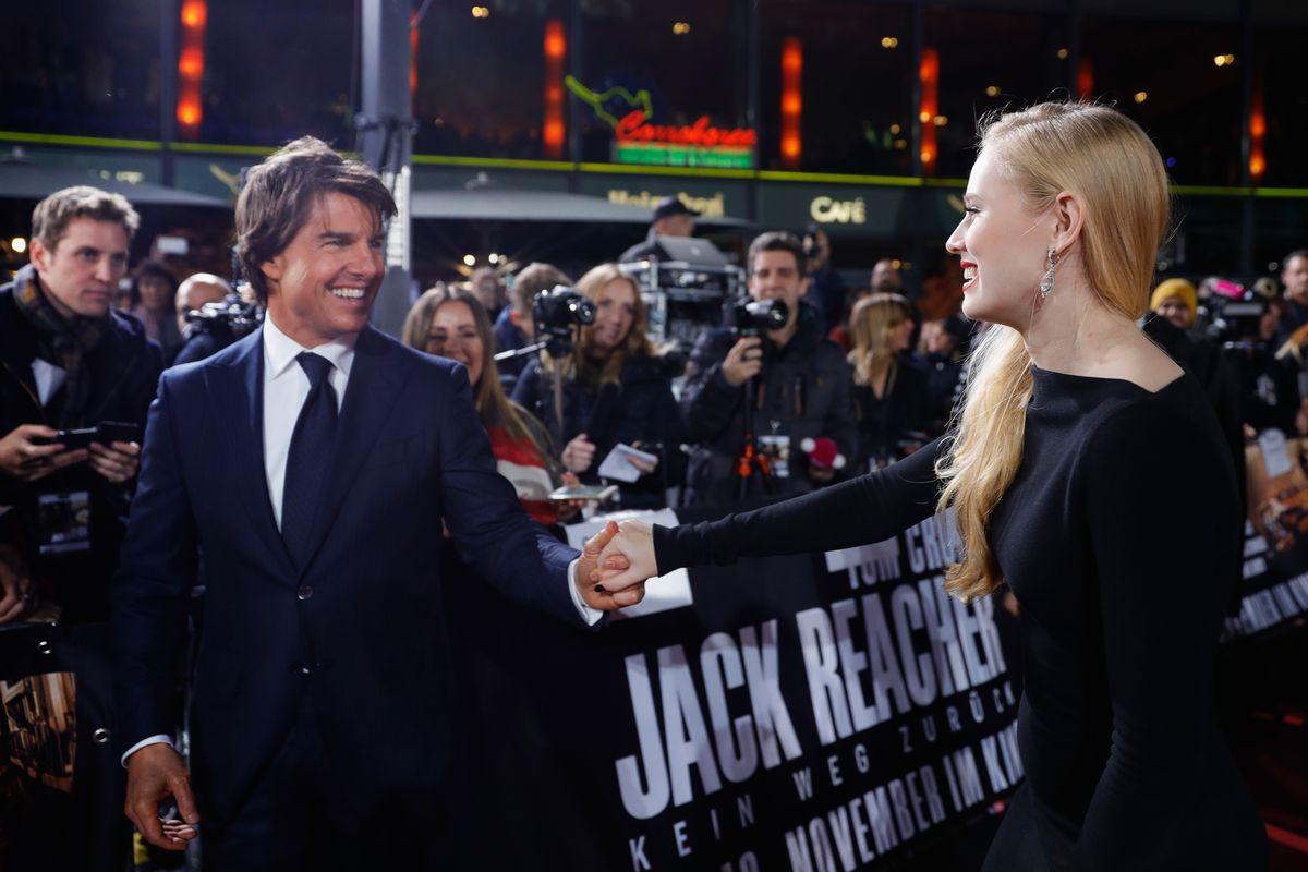 Tom Cruise, Danika Yarosh