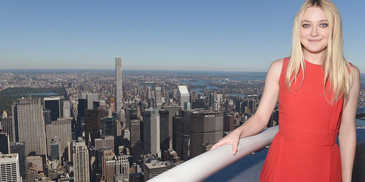 Dakota Fanning hellt das Empire State Building auf