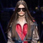 Fashion Week Mailand: Donatella Versace mit ikonischen Ausschnitten