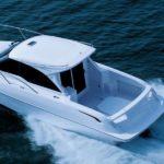 Schnittiges Sportboot mit Toyota-Genen