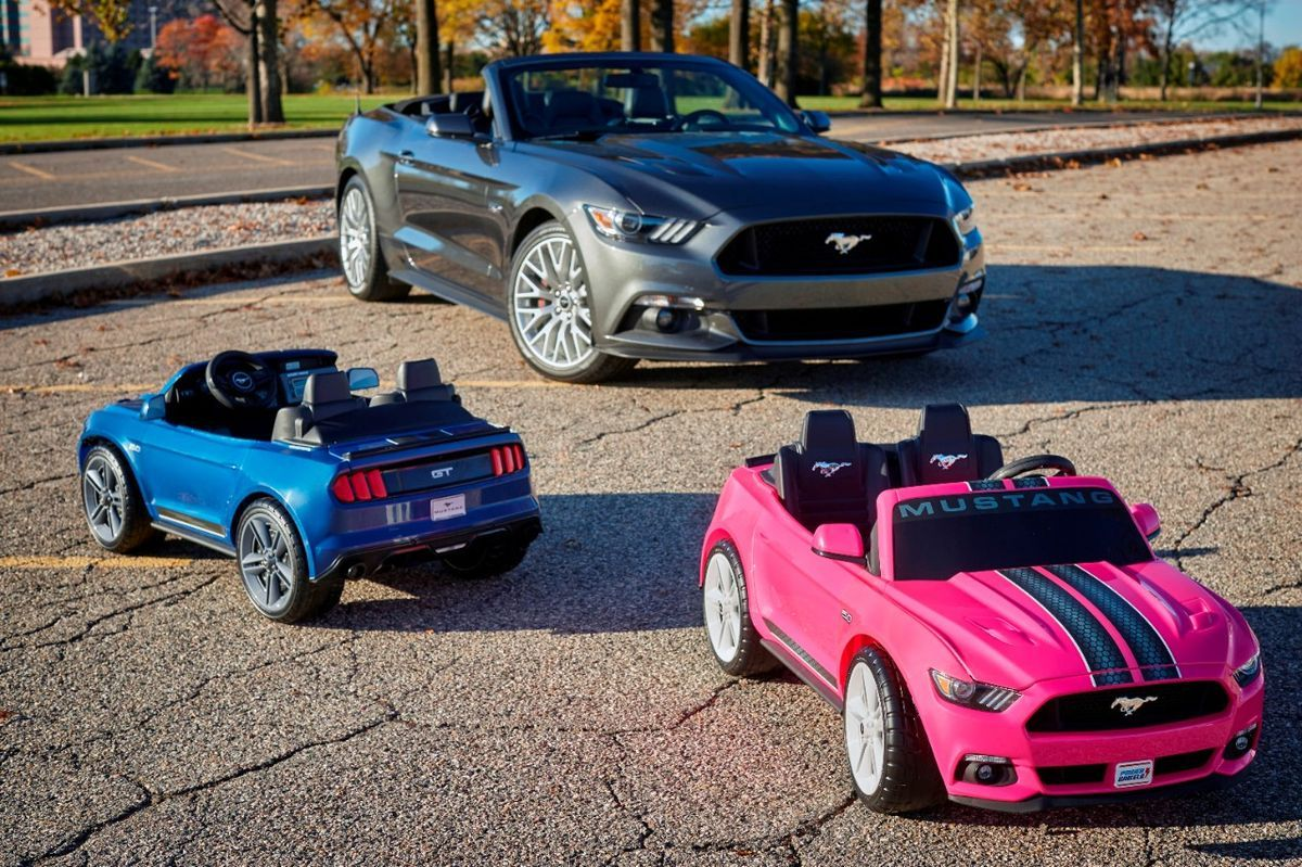 Fisher-Price Ford Mustang Convertible, PowerWheels