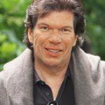 A Life of Beauty: Prof. Dr. Michael Schmidt erhält Award