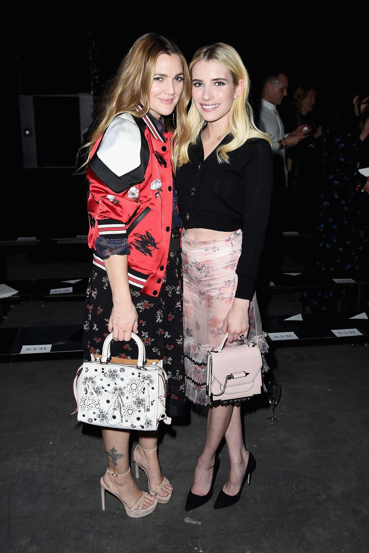 Schauspielerinnen Drew Barrymore (41) und Emma Roberts (25)