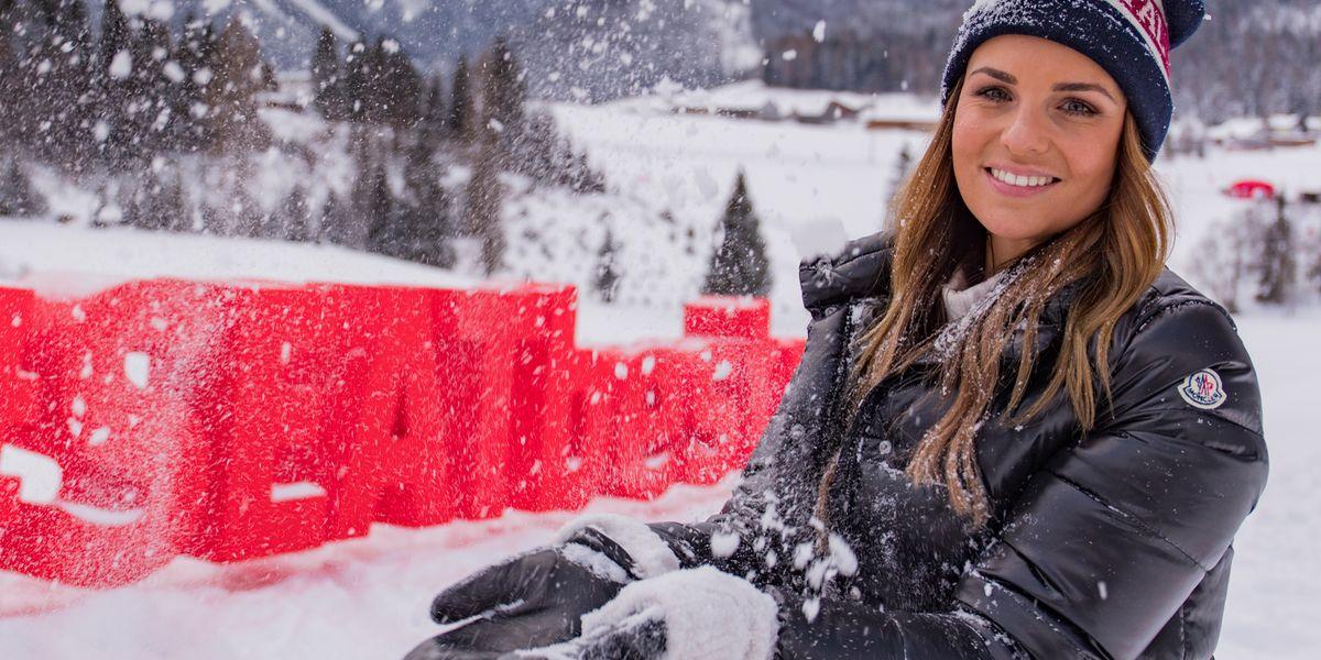 Promis pflügen Seat Ateca durch den Schnee