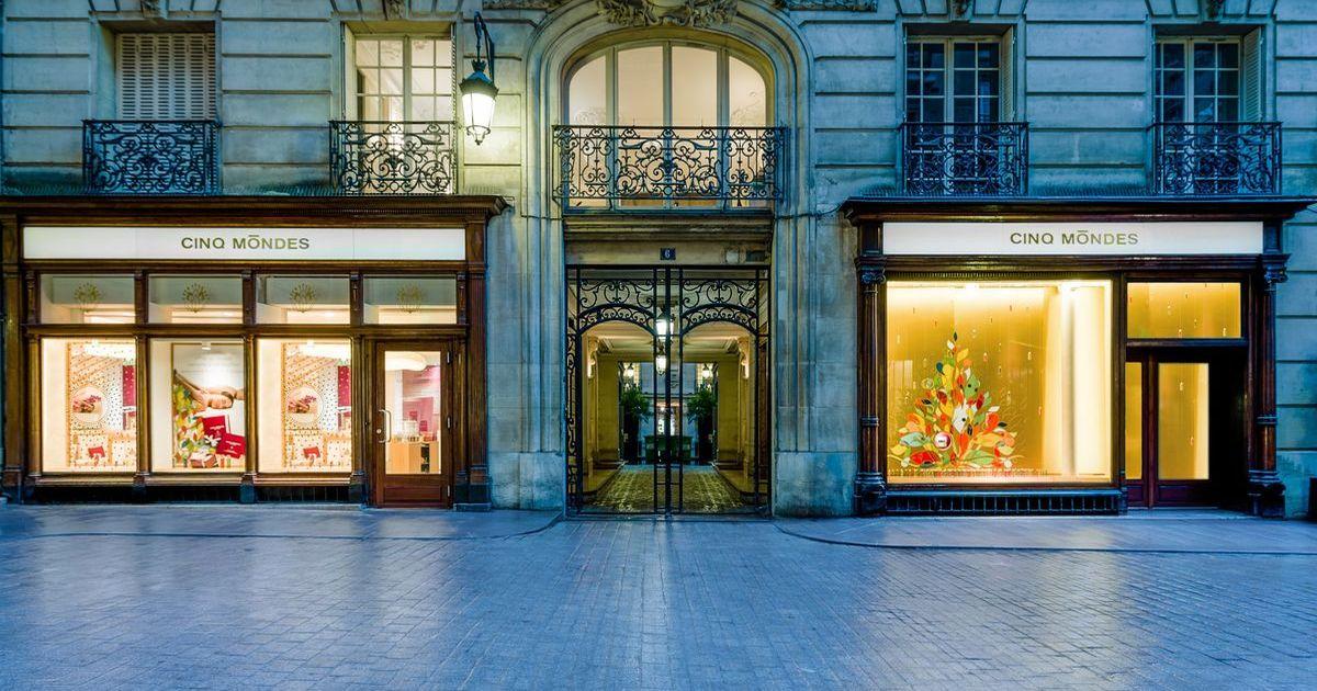 Cinq Mondes, Paris