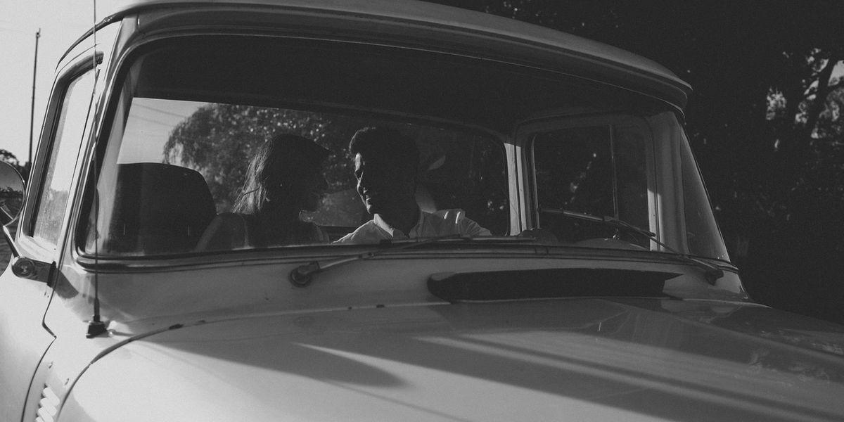 Millennials: Im Auto zum Valentinstags-Date