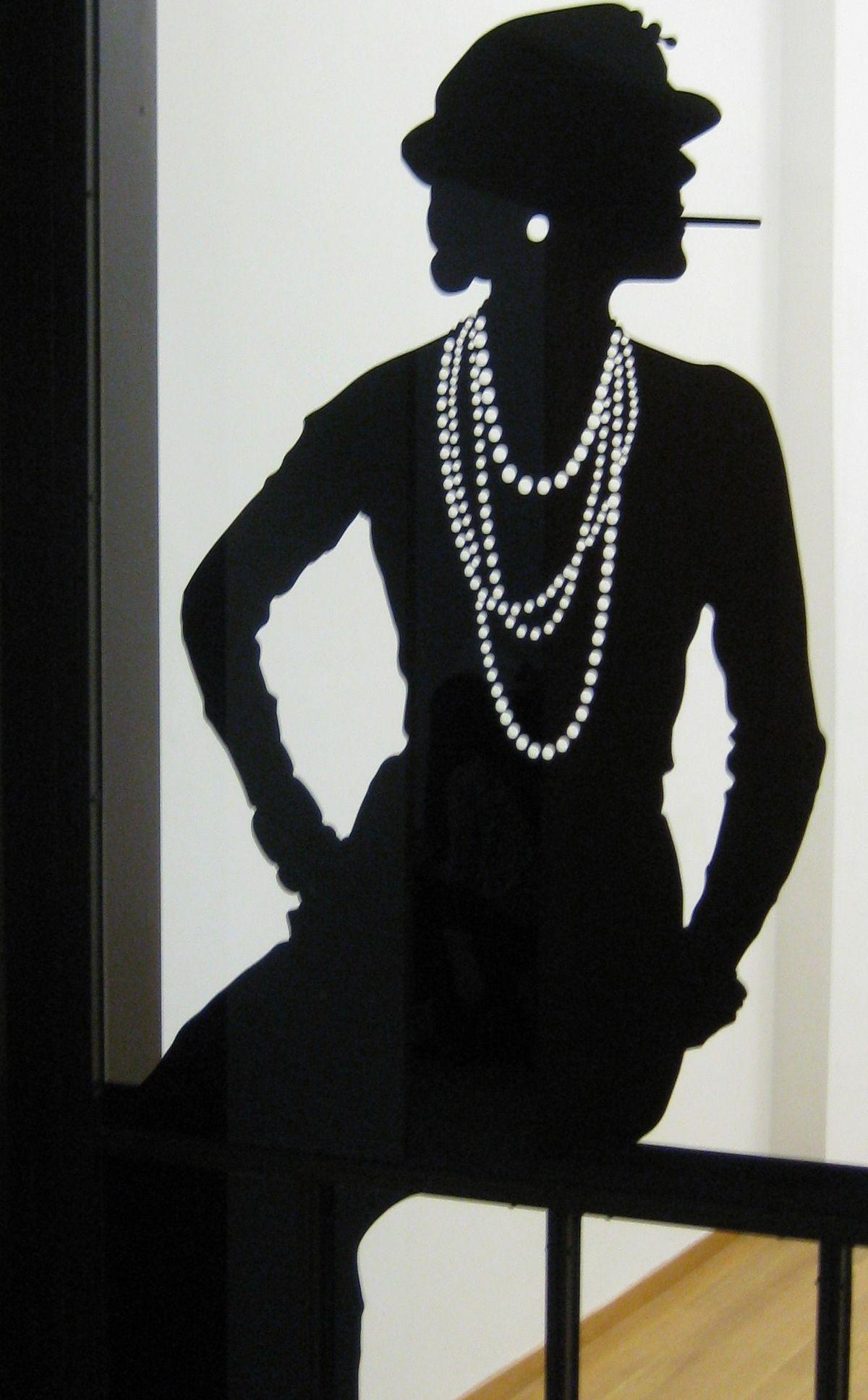 Coco Chanel, Silhouette