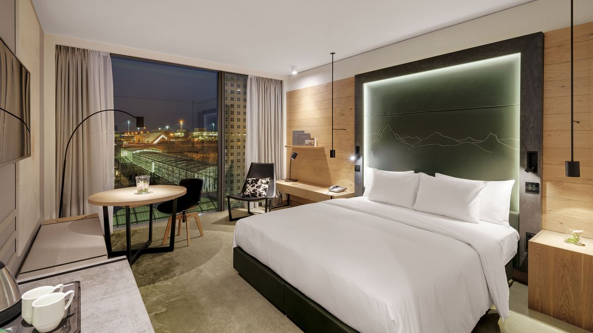 Deluxe Room, Hilton Munich Airport Hotel