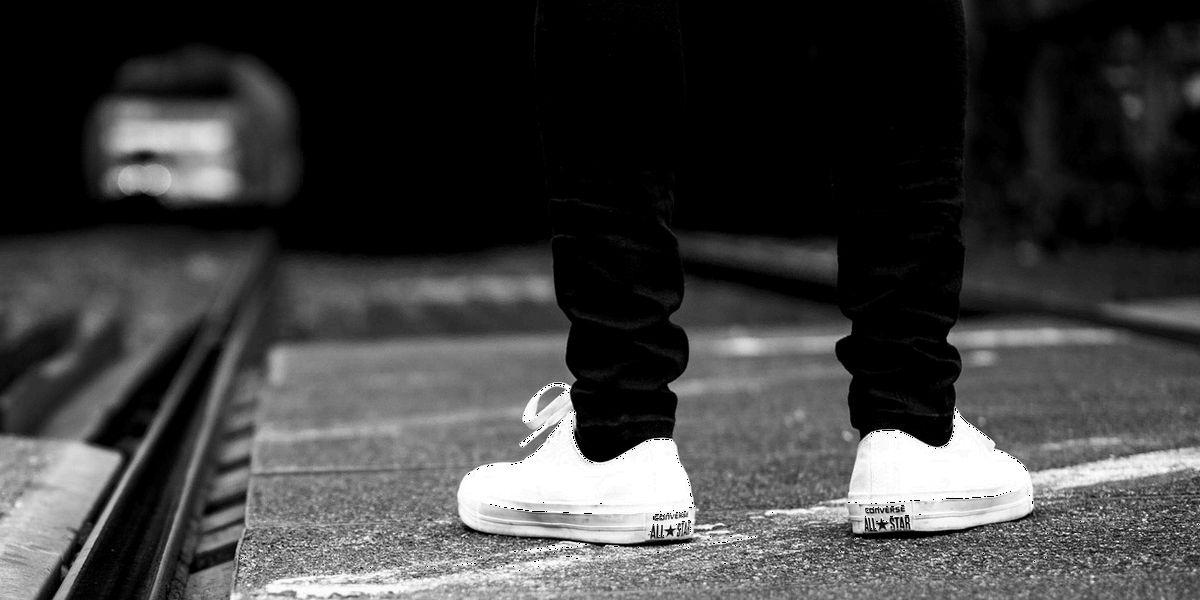 Retro-Sneaker, Logo-Sweats und Trainingsjacken: Modewelt reist zurück in die Zukunft