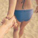 Gut gestylt an Strand und Pool: Das sind die Bademodentrends 2017