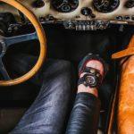 Benzin am Handgelenk: Uhr für Autokenner