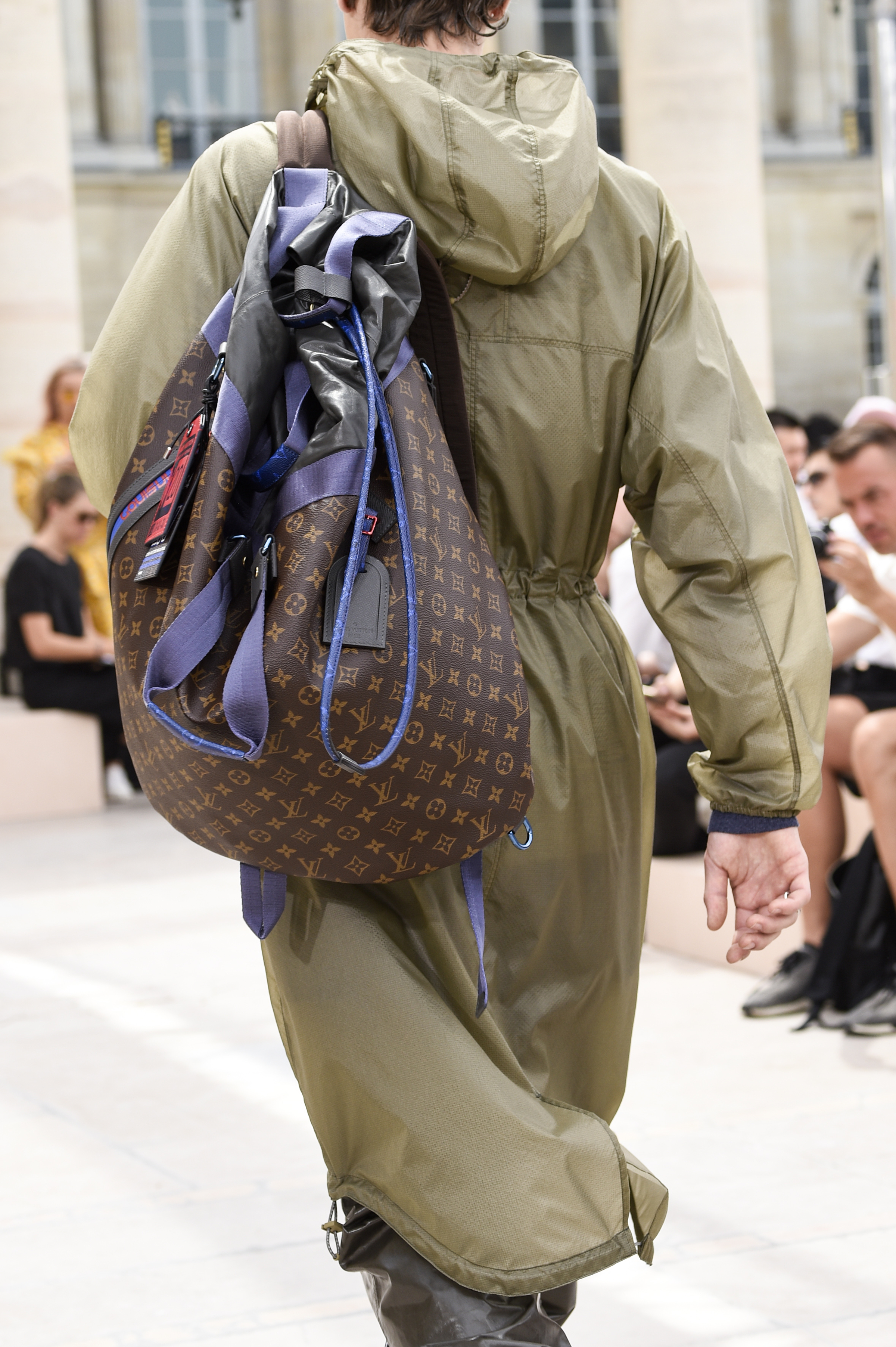 Paris Fashion Week Spring: Ein Rucksack aus der Kollektion von Louis Vuitton (ddp images)