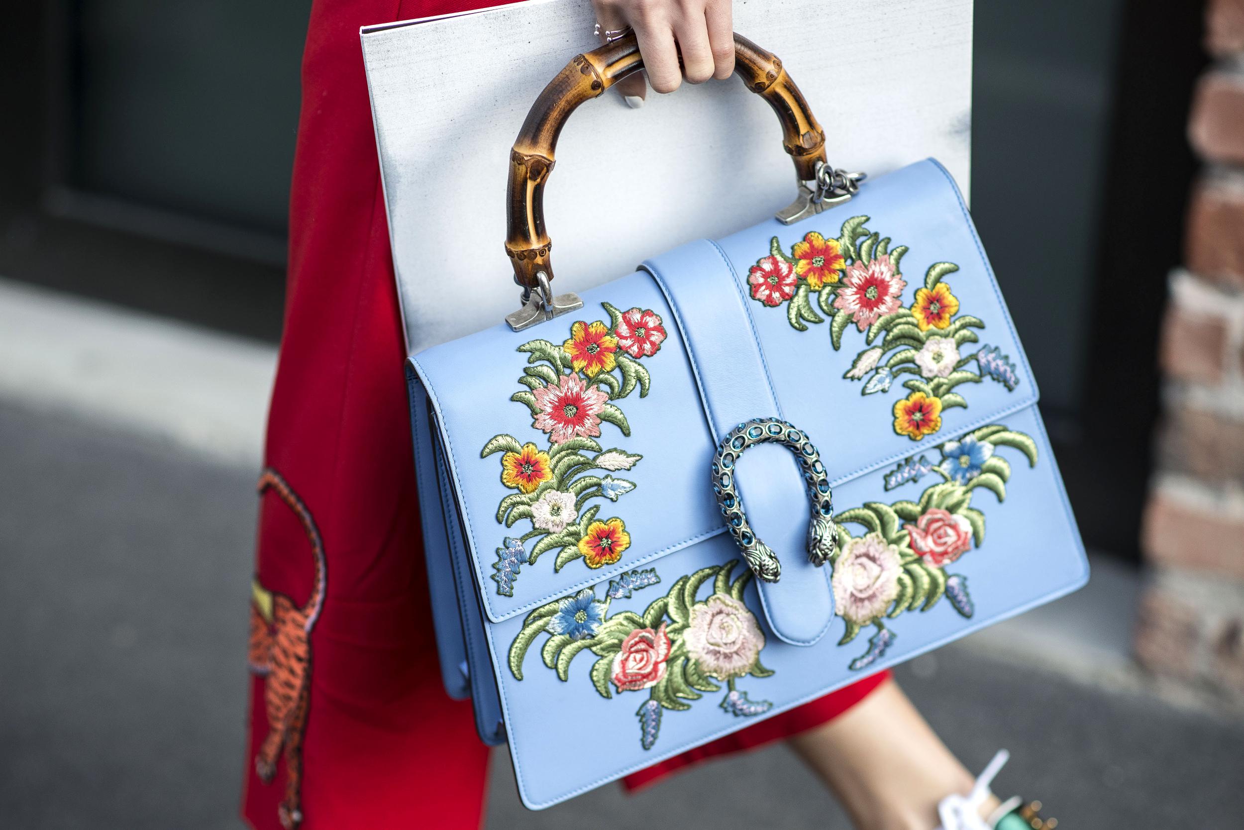 Milan Fashion Week: Tasche von Gucci im Street Style (ddp images)