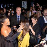 Rihanna schminkt Paris
