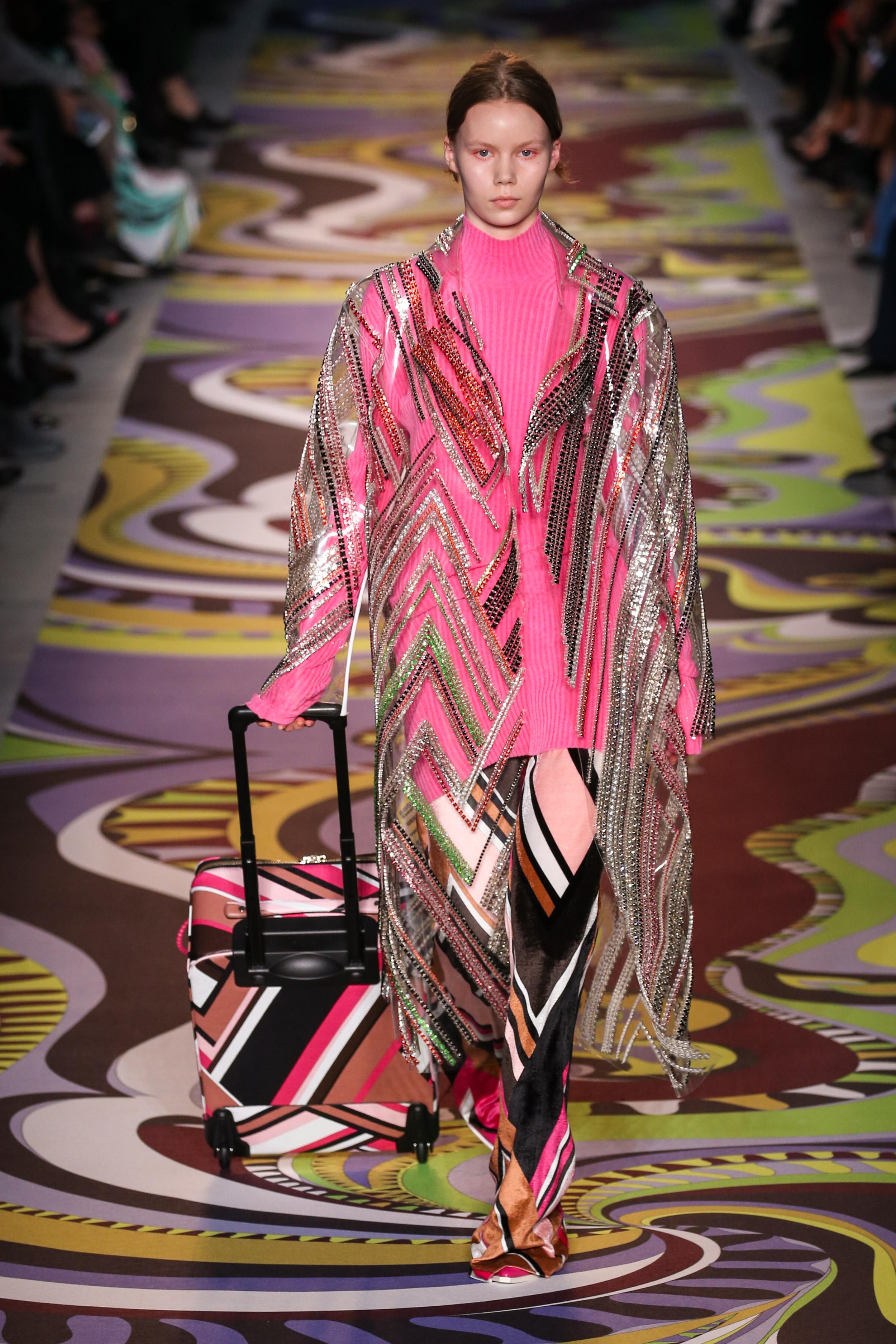 Milan Fashion Week Fall: Gemusterter Regenmantel von Emilio Pucci