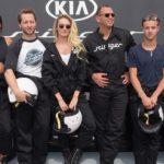 Stinger: Racing mitten in New York