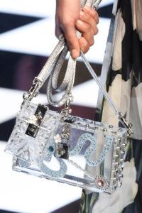 Milan Fashion Week Fall 2016: Tasche aus transparentem Plastik bei Dolce & Gabbana