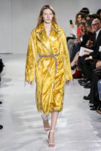 New York Fashion Week Fall 2017: Gelbe Regenjacke bei Calvin Klein