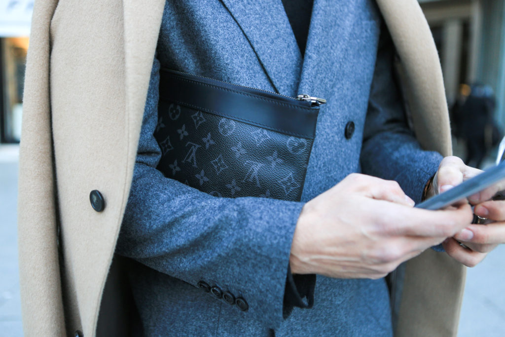Fashion Week Paris: Clutch von Louis Vuitton
