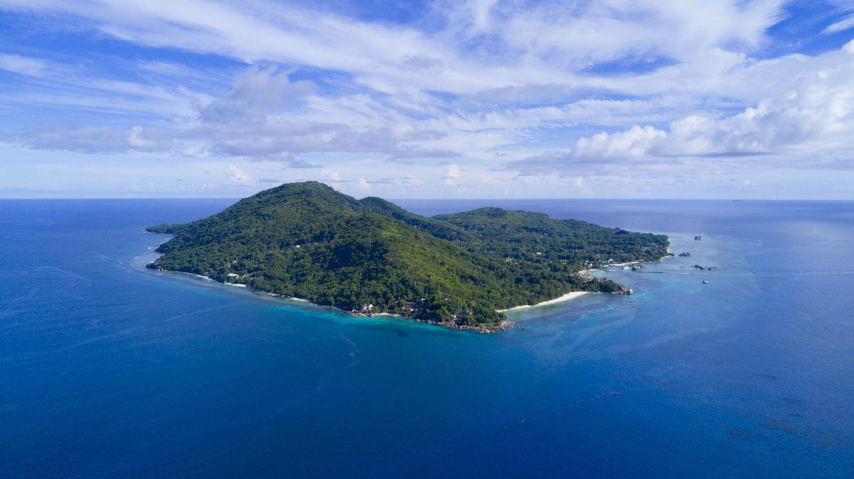La Digue – Tropische Wälder und charakteristische Granitfelsen