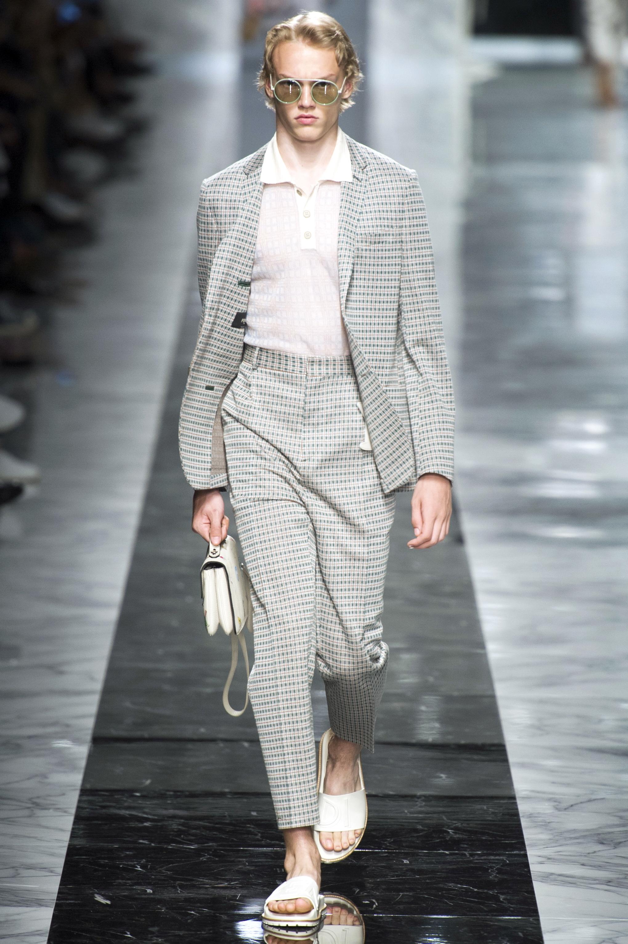 Milan Men's Fashion Week Spring/ Summer 2018: High Rise-Hose in der Show von Fendi