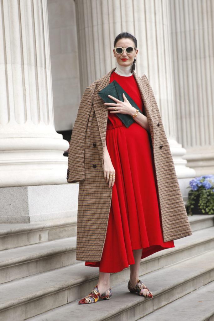 Street Style aus London mit Karo-Mantel