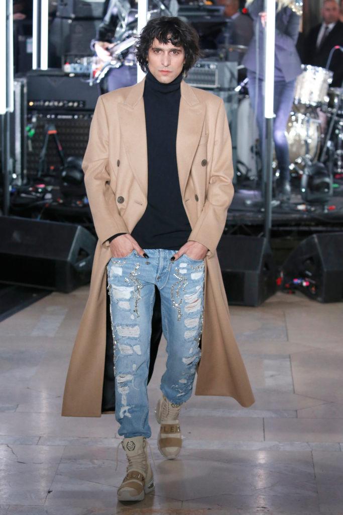 New York Fashion Week Winter: Camelfarbener Herbstmantel bei Philipp Plein