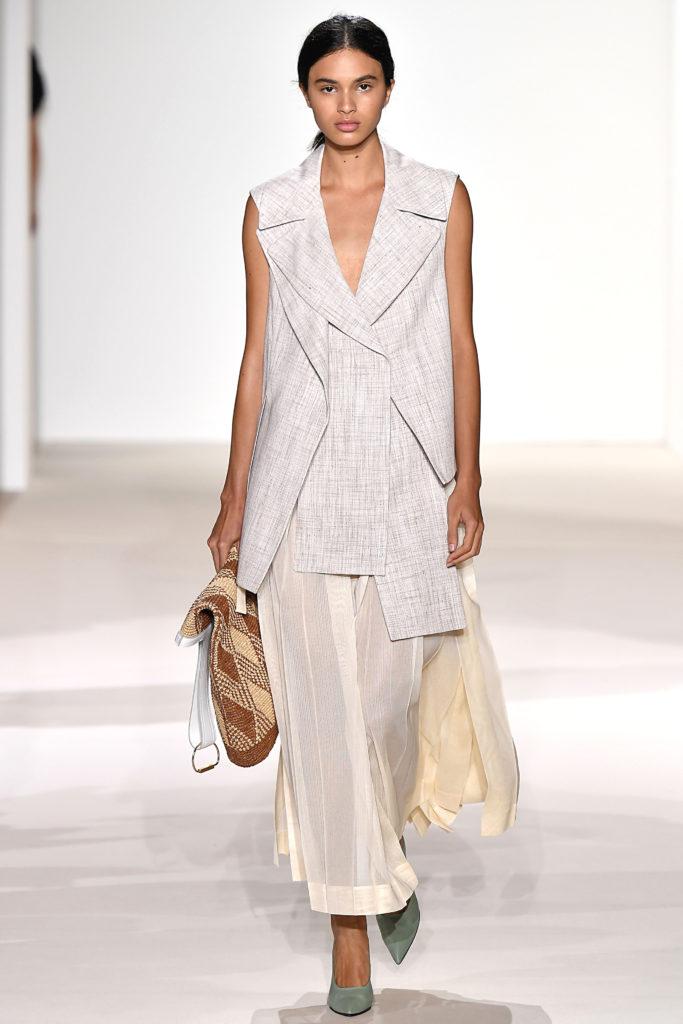 New York Fashion Week Spring/Summer 2018: Transparente Röcke bei Victoria Beckham
