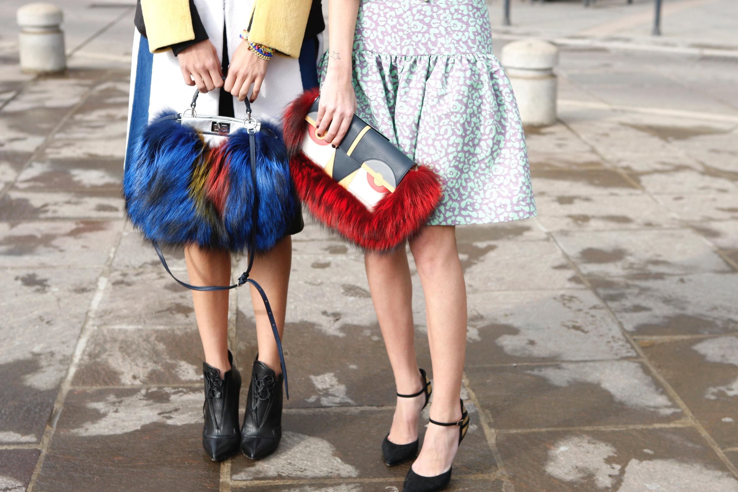 Street Style Mailand: Fendi Peekaboo und Fendi Monster Baguette Bag