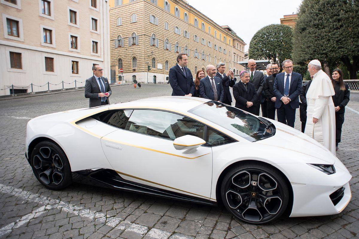 Lamborghini Huracán Rear Wheel Drive Coupé, Papst Franziskus Edition