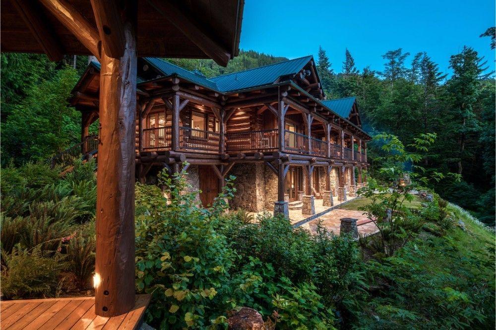Luxus-Lodge mit Privatsee im kanadischen Küsten-Regenwald