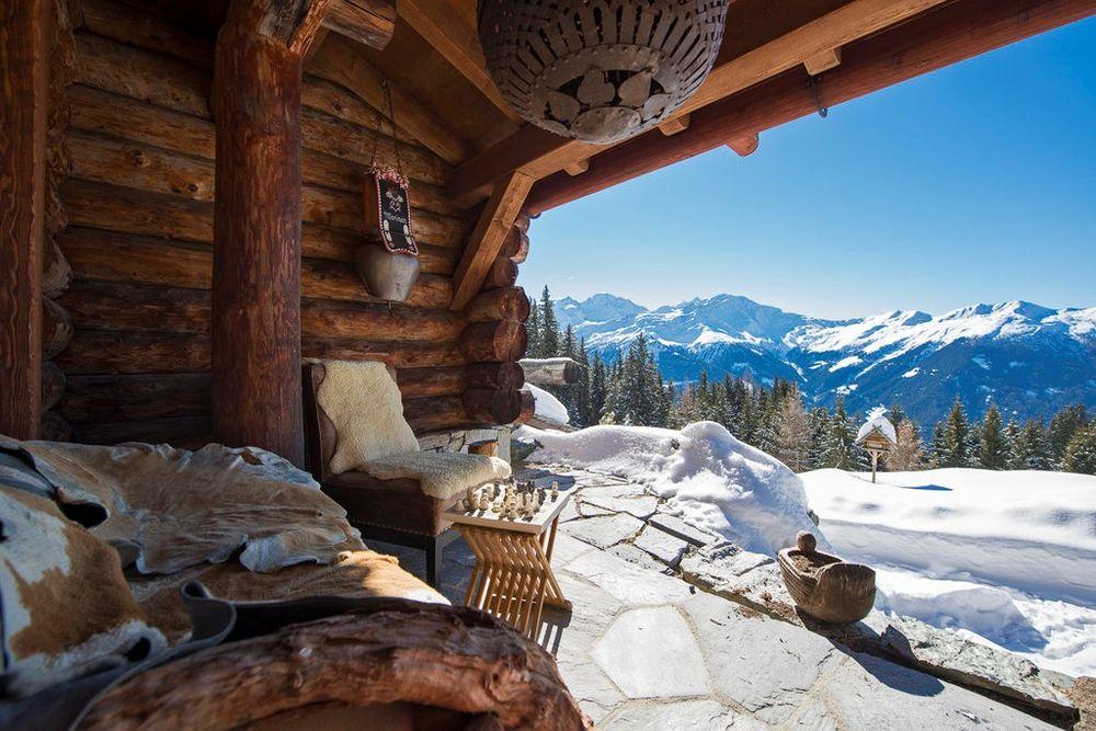 Schweizer Chalet mit Alpen-Panoramablick auf 1.850 Metern Höhe