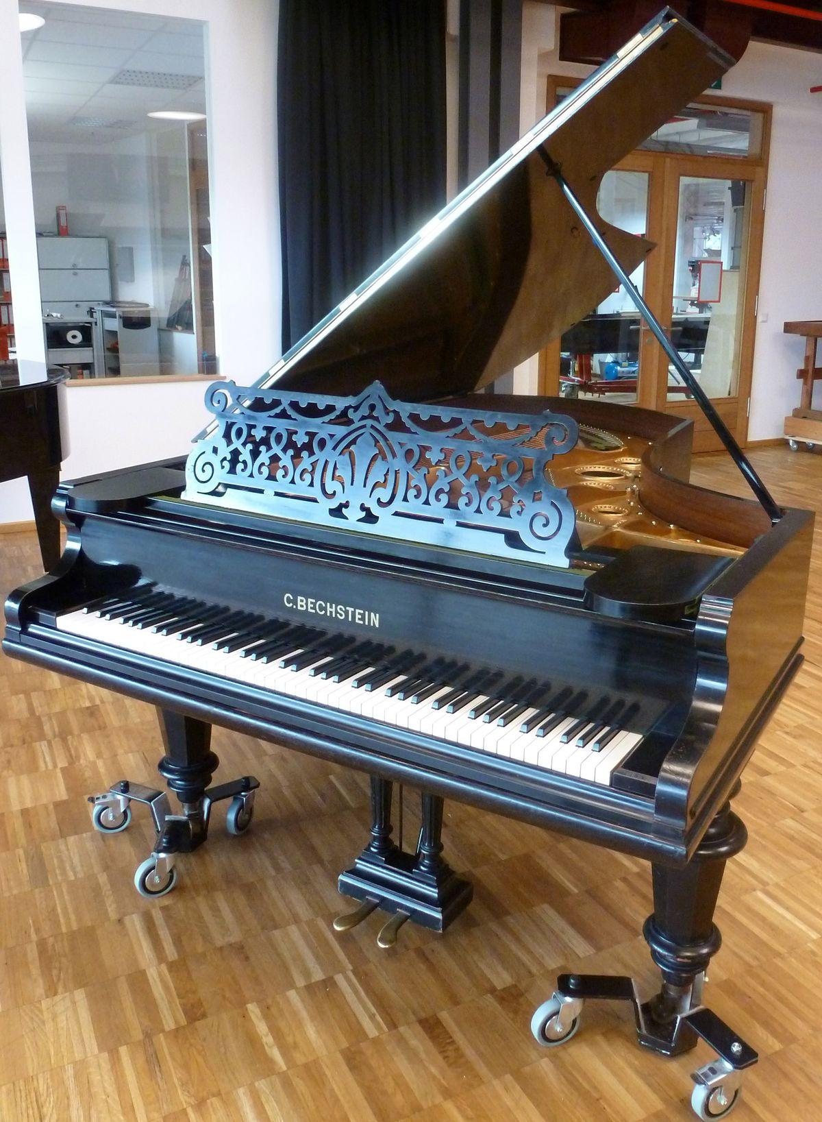 Unschätzbar wertvoll: Ein historischer Flügel, dem die renommierte Passauer Piano-Werkstatt Mora zu altem Glanz und Klang verholfen hat