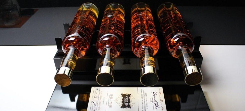 Donatella: Whisky-Lieferung im Privatjet