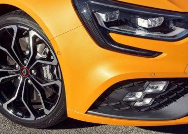 Renault Mégane R.S., Bridgestone Potenza S001