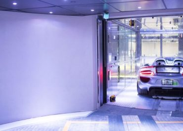 Mit den Supercars in die Sky Garages