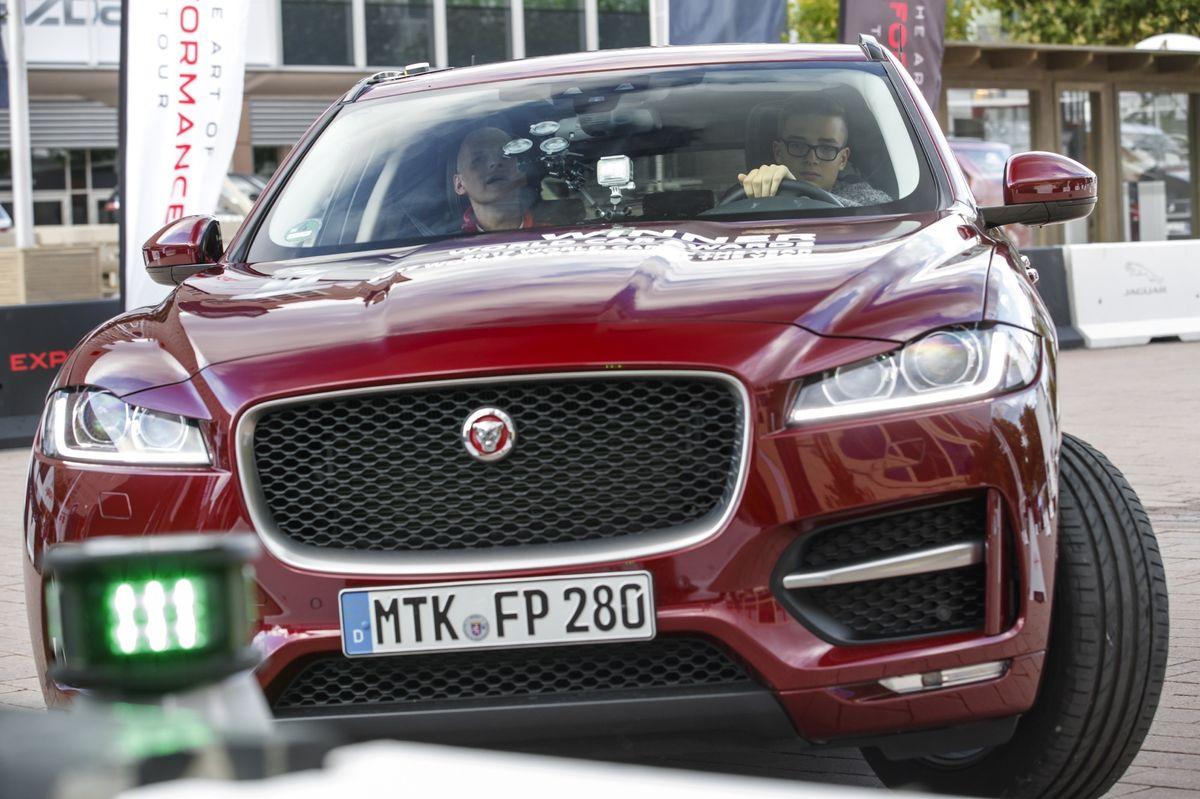 """""""Young Drivers"""" bei Jaguar"""
