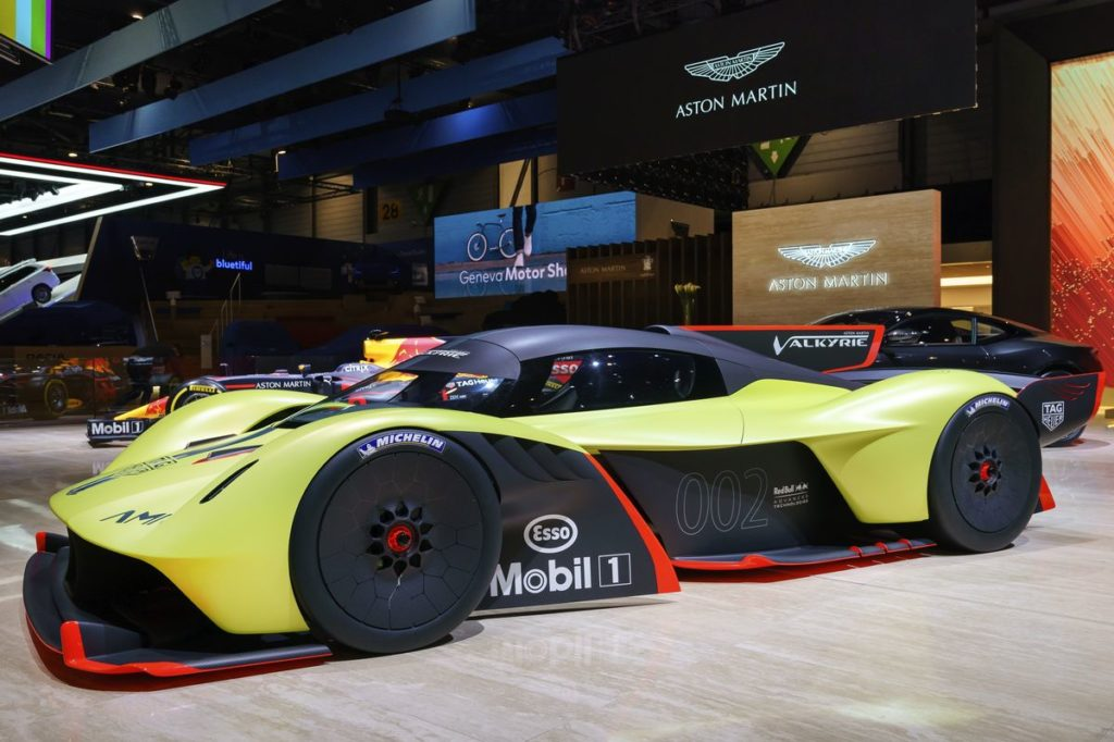 Aston Martin Valkyrie AMR Pros