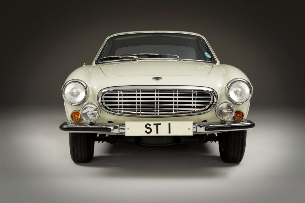 Volvo P1800 S, Sir Roger Moore