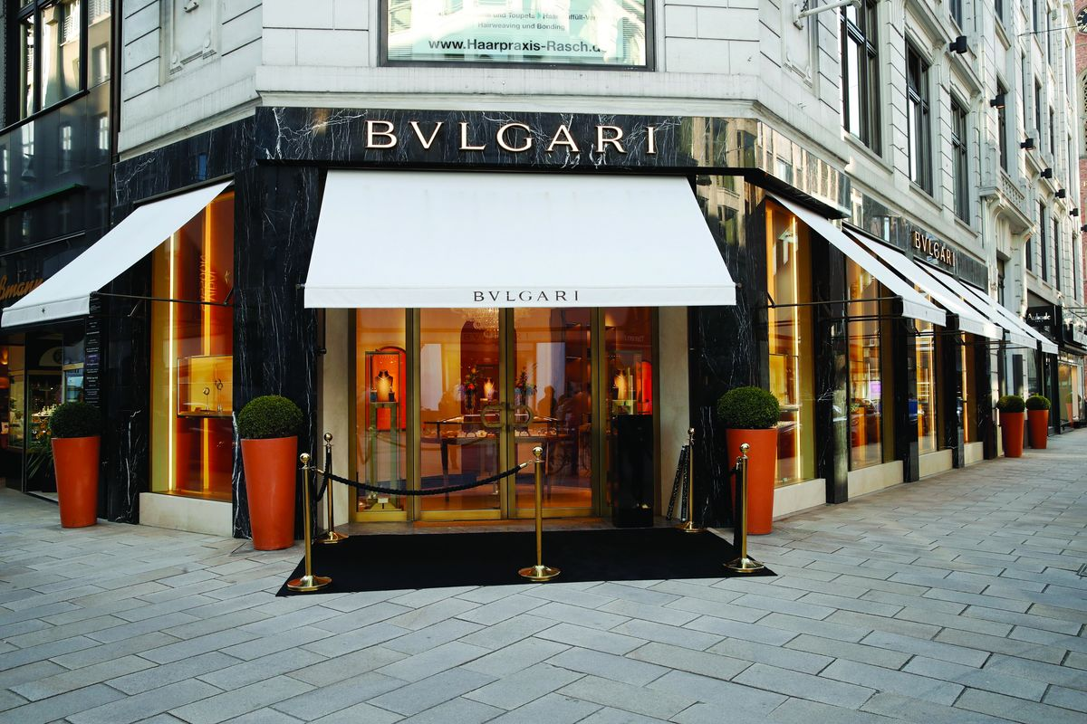 opening am neuen wall mit bulgari in hamburg shots magazin. Black Bedroom Furniture Sets. Home Design Ideas