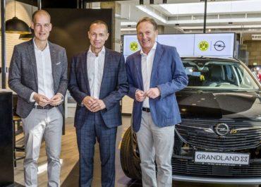 Centro: Opel im BVB-Shop